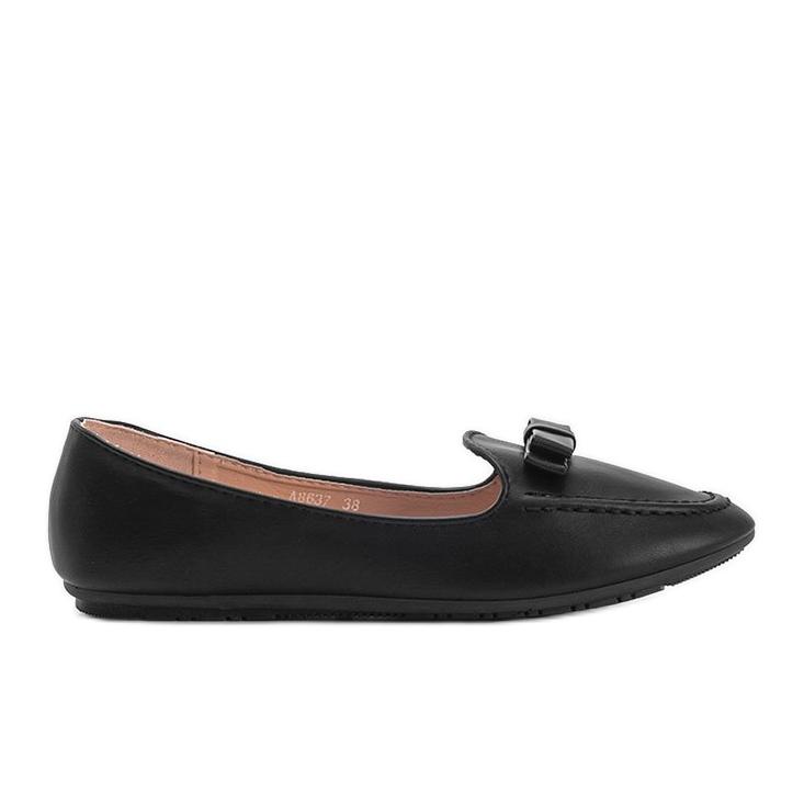 Ladies' black moccasins with Ingrid bow