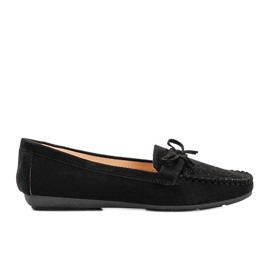 Black moccasins with an openwork Maura pattern
