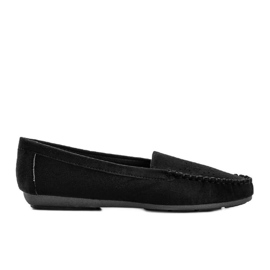 Black loafers with an openwork Justine toe