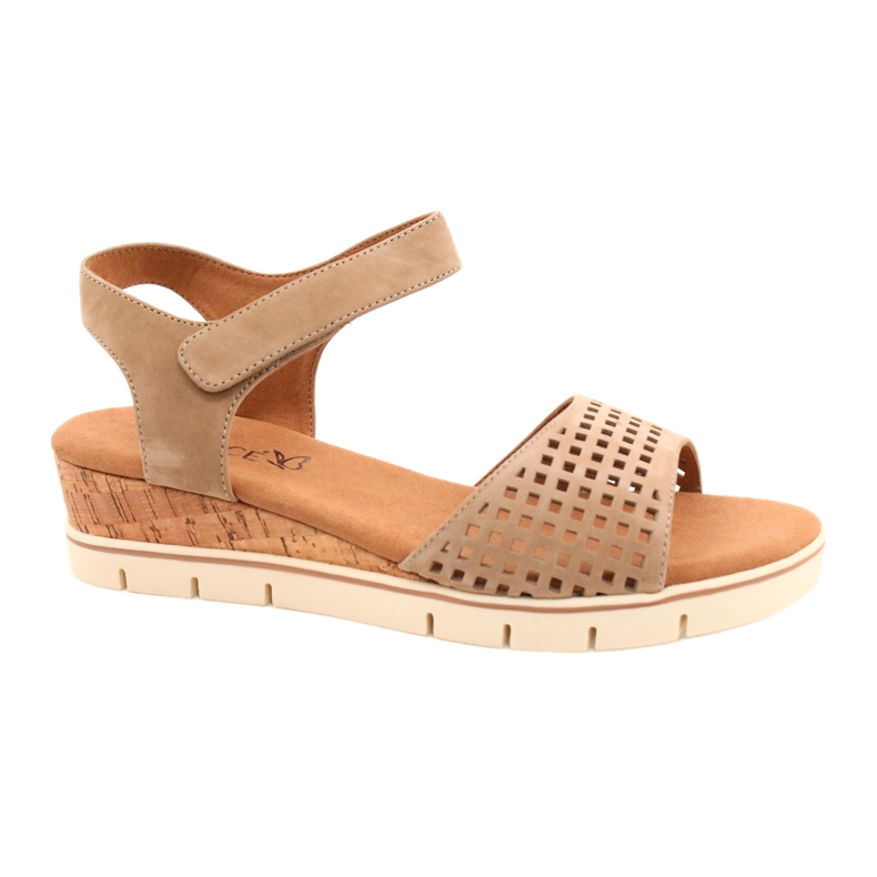 Caprice leather sandals on a wedge heel 28710 beige