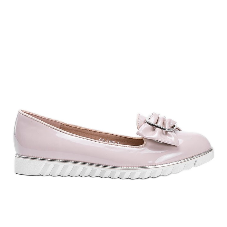 Beige lacquered loafers with a Nemesise bow