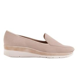 Radoskór Comfortable low wedge shoes for a wider foot beige