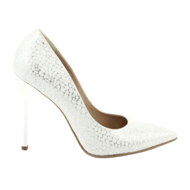 Espinto Pumps On Silver Stud White