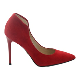 Espinto Pumps On A Red Stud