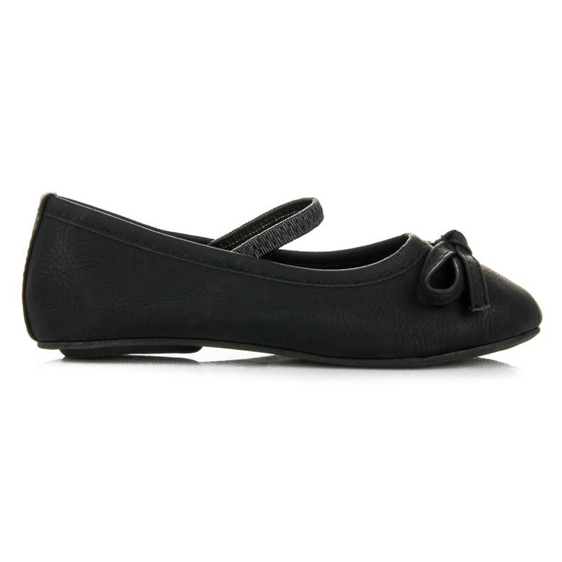 Black ballerinas