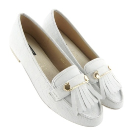 Moccasins in vintage style 3052 White