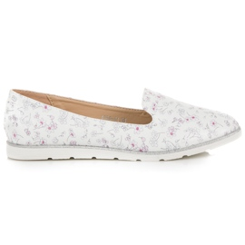 Vices Lordsy in flowers white
