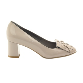 Edeo brown Pumps on the pillar Lacquered 3224 Beige