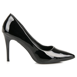 Lacquered pumps on a pin black