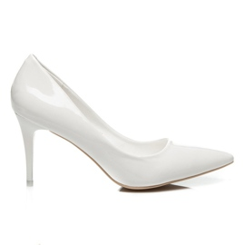 Comer Stylish lacquered heels white