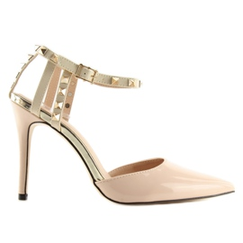 Pumps on studs with beige At