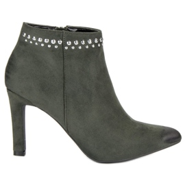 Suede Boots On VINCEZA green