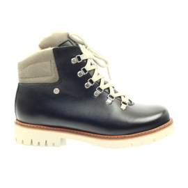 Brown Timber boots prevention boots Bartek