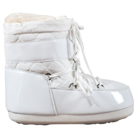 White Fashionable Snow Boots