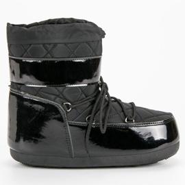 Black Fashionable Snow Boots