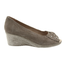 Brown Women's pumps on the wedge Caprice 29350