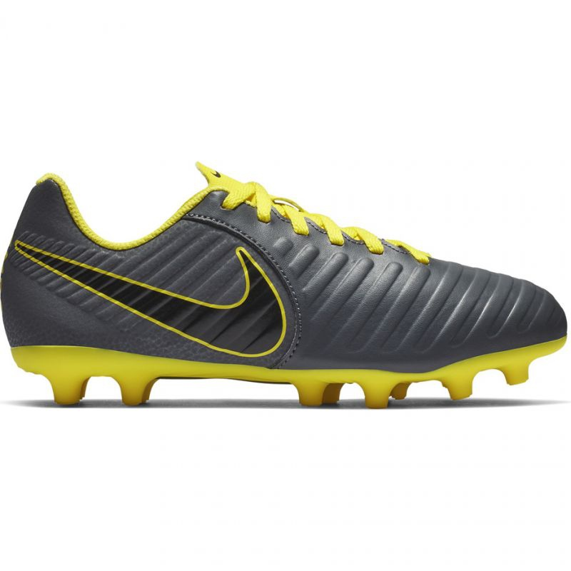 new arrivals f20a3 b95e0 Football shoes Nike Tiempo Legend 7 Club Mg Jr AO2300-070