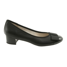 Black Women's pumps with a Caprice 22307 bow