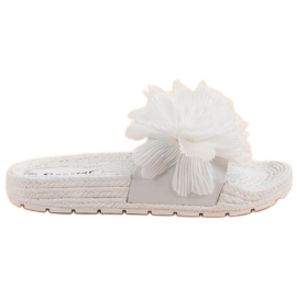 Seastar White Slippers With Flowers