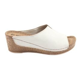 Brown Women's slippers Inblu NLG002 beige