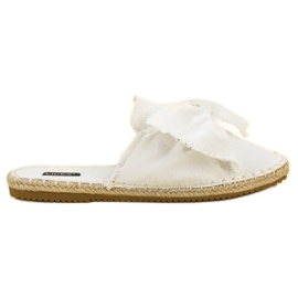 Built-in VICES slippers white