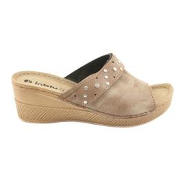 Brown Women's slippers Inblu OS007