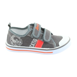 Velcro sneakers American Club gray jeans