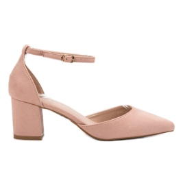 Small Swan pink Pumps Fastened with a Buckle