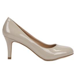 Small Swan brown Lacquered Pumps On High Heel