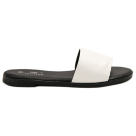 Clowse Classic White Slippers