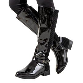 Black varnished boots W-93