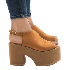 Brown Camel sandals on a massive B8290 brick