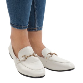 White loafers for the YJX001-9 ballerinas