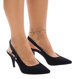 Black pumps on a pin with an elastic band F013