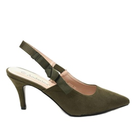 Green pumps on a pin with an elastic band F013