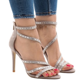Gray sandals on the 9081-9 heel brown