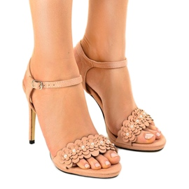 Pink sandals on a flower pin TN-001