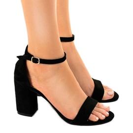 Black sandals on the suede LT113 pillar
