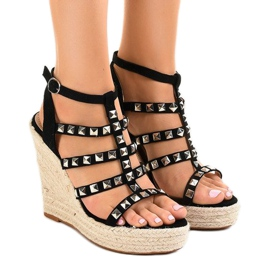 Black sandals on straw wedge 9529