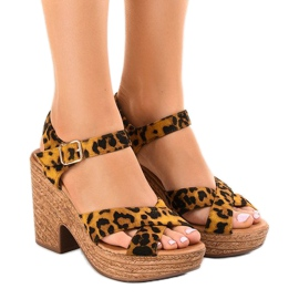 Panther sandals on the suede pillar Q-62