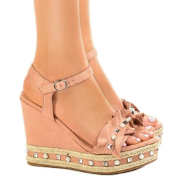 Pink sandals on wedge beads 2445