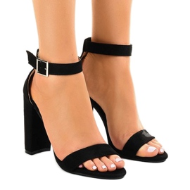 Black sandals on the post with buckle 369-18