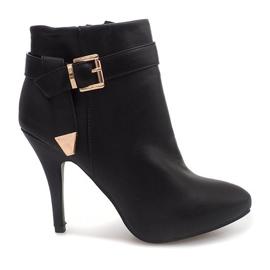 Elegant Boots On A Pin 6-148 Black