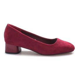 Red pumps on the The Best post