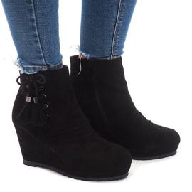 Insulated Boots On Wedge 778-KA Black