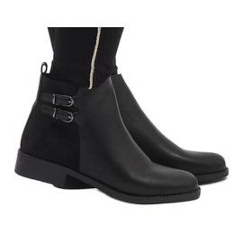 Ideal Shoes Black elegant C-7200 boots