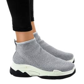 Gray sport shoes with elastic LA33P