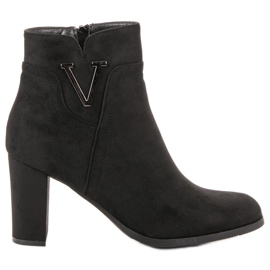 Vinceza black Suede Booties On A Bar