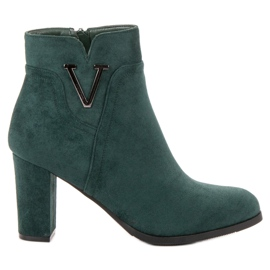 Vinceza green Suede Booties On A Bar