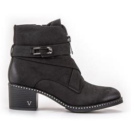 Vinceza black Stylish Booties On A Bar